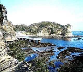 DSCN1990勝浦の海001海中展望塔付近.JPG